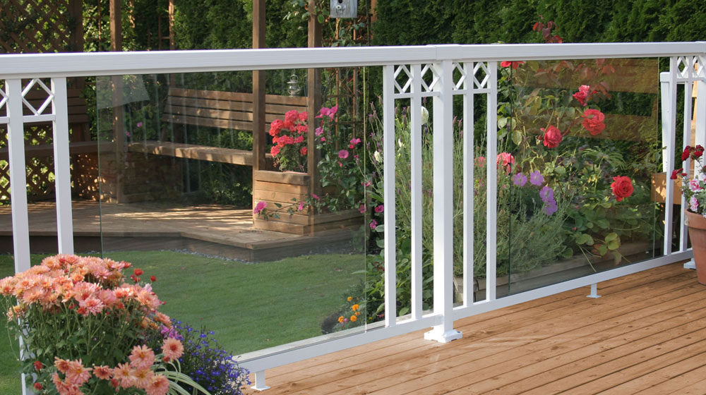 White-Large-Glass-Panel-with-Wide-Pickets-and-Decorative-Spacers-Railing