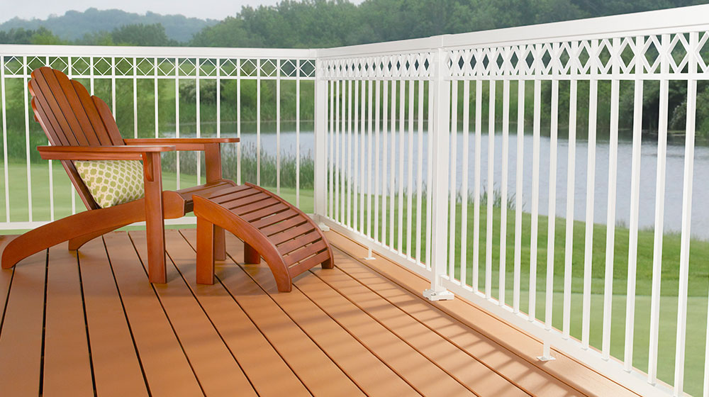 White-Narrow-Picket-with-Decorative-Spacer-railing_New-Photo-Shoot